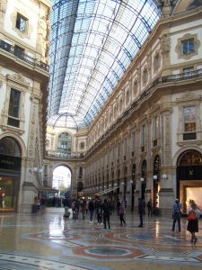 """A classic """"shopping mall"""" in Milano"""
